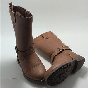 Oshkosh kids boots size 6